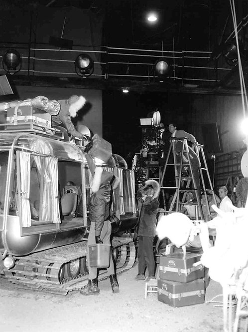Behind the Scenes Lost in Space with Cast Loading the Chariot