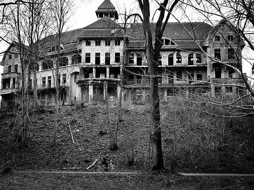 The Haunted Das Geisterhaus House Looking Erie on a Hill