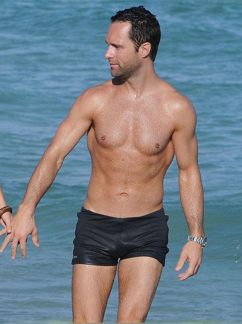 Chris Diamantopoulos Shirtless