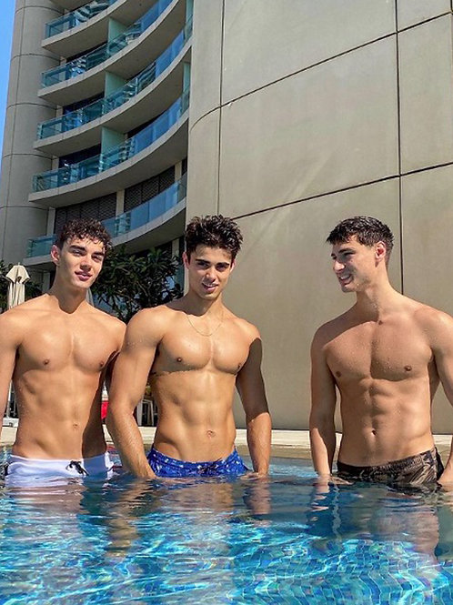 3 Dudes in the Hotel Pool