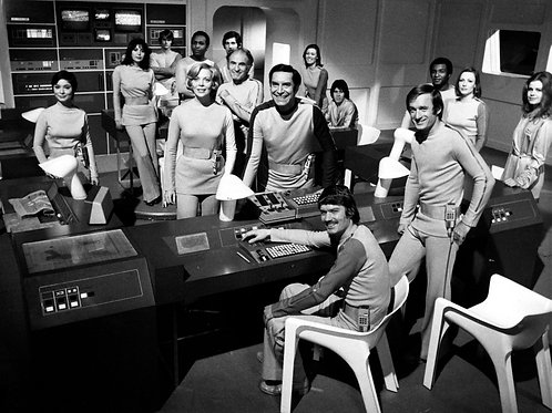 Cast of Space 1999