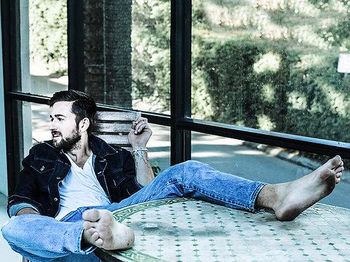 Brandon Sklenar Barefoot