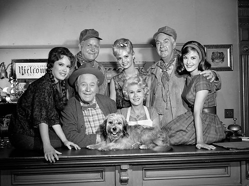 Petticoat Junction Cast in the Shady Rest