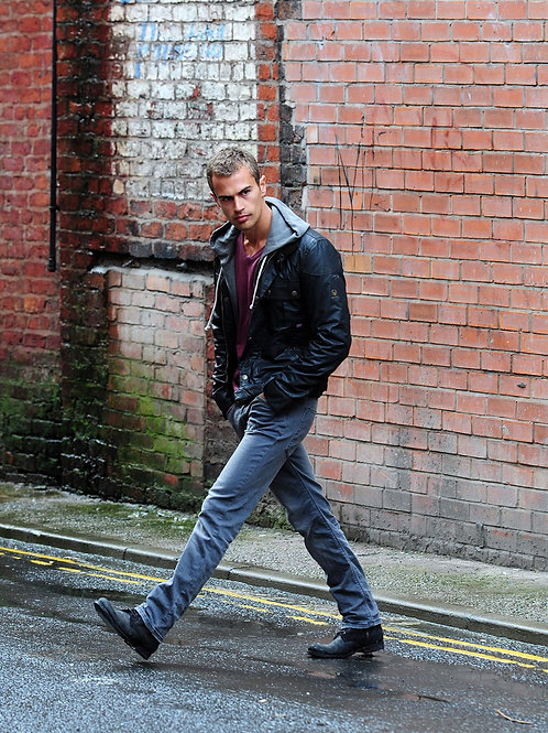 Theo James in Jeans