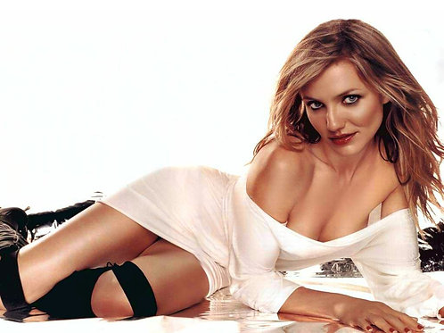 Cameron Diaz Looking Totally HOT