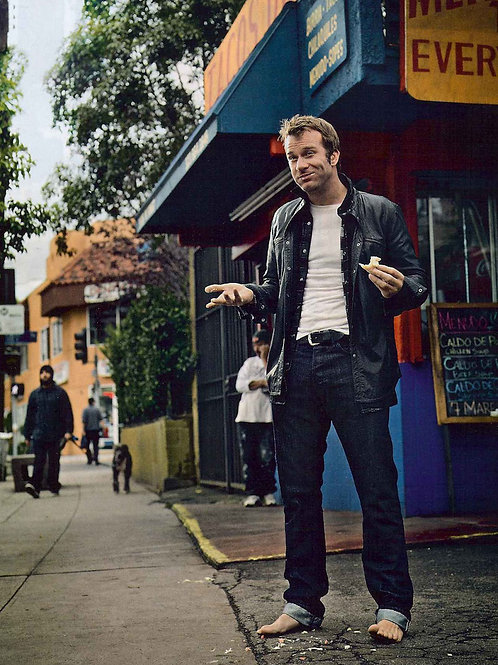 Barefoot Thomas Jane in Tight Jeans & a Leather Jacket