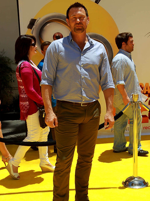Grant Bowler at a Movie Premier