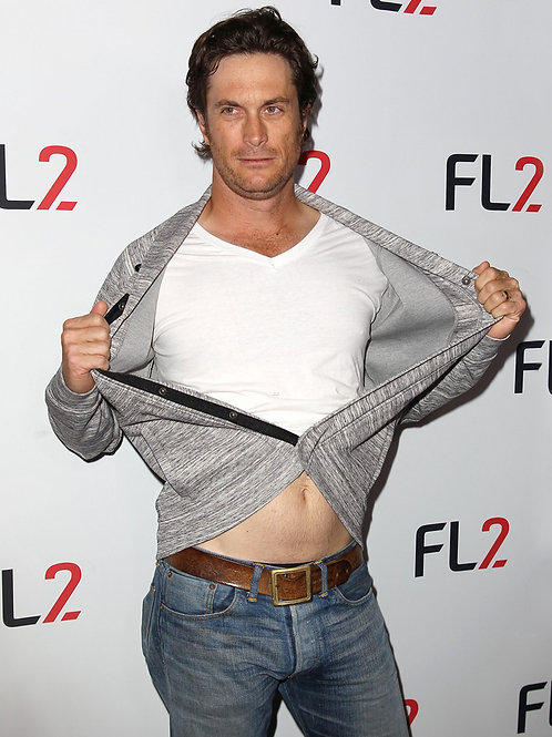 Oliver Hudson Pulls his Shirt Open