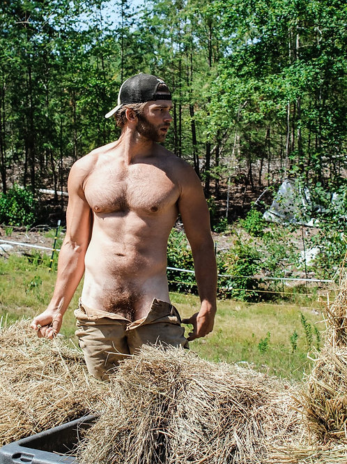 Getting Hot & Horny Working the Fields