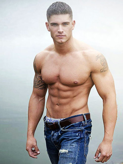 Colin Wayne Shirtless Showing Off his 6 Pack