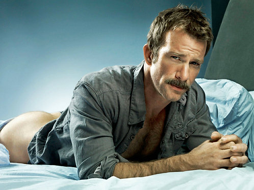 Thomas Jane Laying on a Bed Bareassed