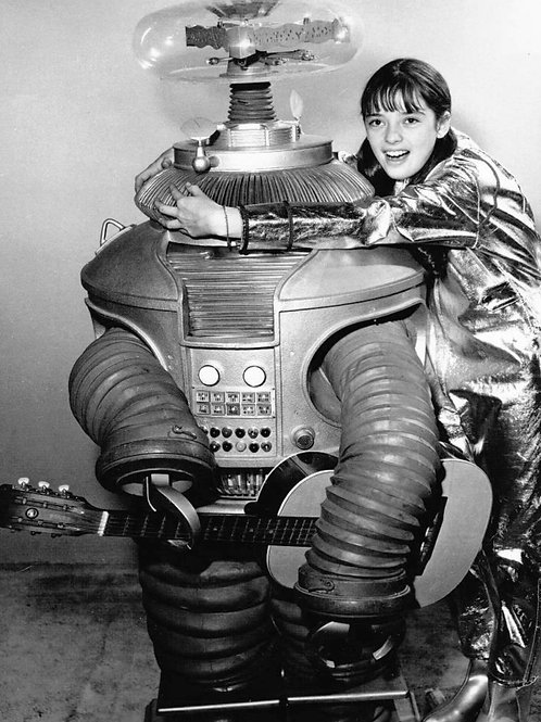 Angela Cartwright Posing with the Robot in a Promo for Lost in Space