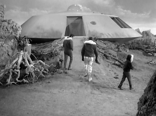 Behind the Scenes of Cast Walking to the Jupiter 2 in Lost in Space