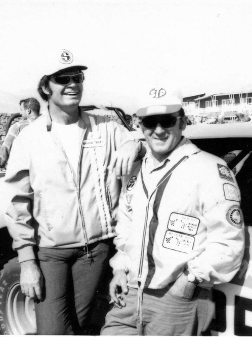 James Garner and Bill Bryan in The day before the 1969 Mexican 1000
