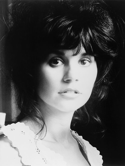 Linda Ronstadt Headshot from the 1970s