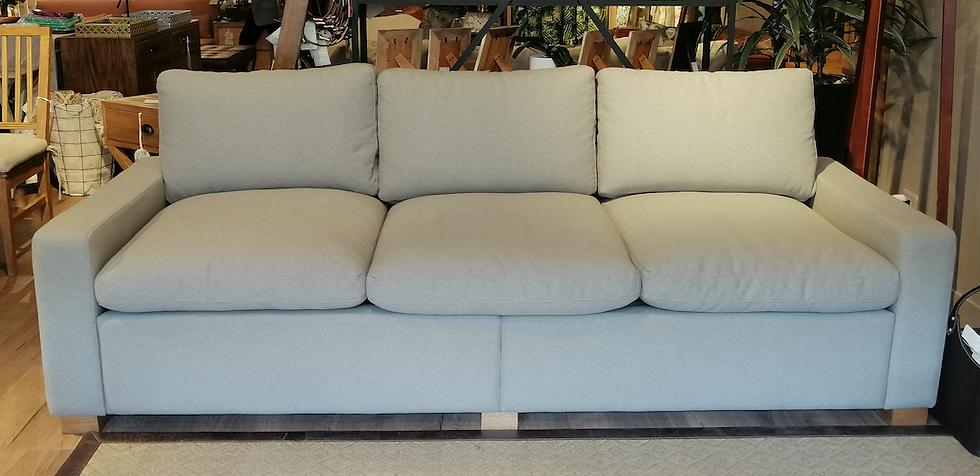 Sofa Confort de 2.00 con Relleno en Plumas