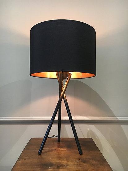 Lámpara de Mesa - Tripode Metal