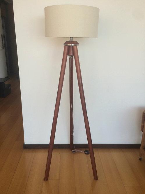 Lampara trípode de pie en madera