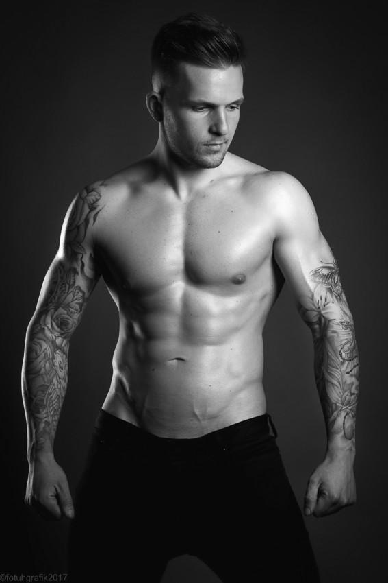 Model:Tom