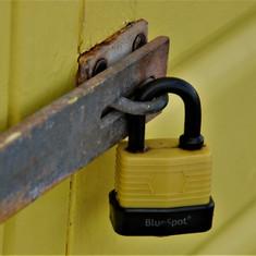 Frog eye lock