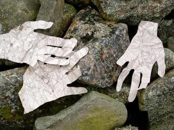 Atist's hands