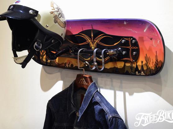 1303 x Jeffrey Design x BWS三方聯名  讓安全帽在家裡掛得更有型!