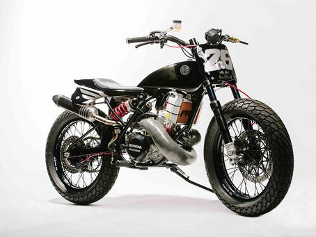 """一部獻給偉大車手的紀念作 - Deus Customs """"Pedrosa Bike"""""""