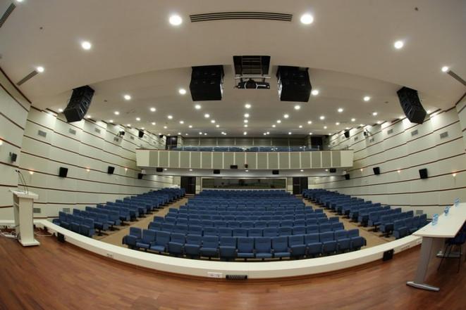 Konferans-Salonu-Ses-Sistemleri.jpg