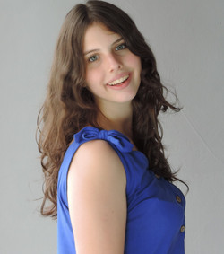 Jennifer Fosaluza - Altura 1,63 - Manequ