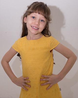 Gabrielle Cosme - Altura 1,19 - Manequim