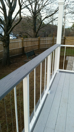 Gloss White Verticable with Drink Rail