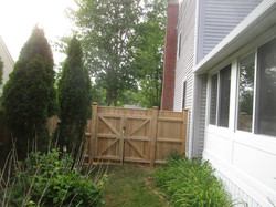 Cedar Board with Cap Double Drive Gate