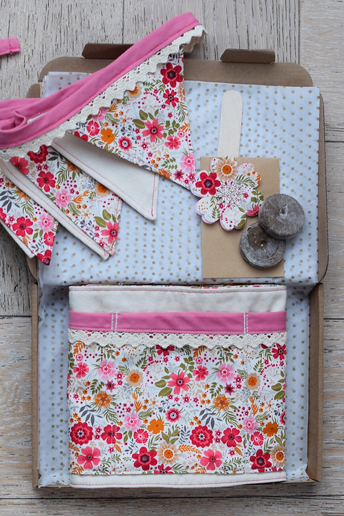 Belt and Bunting Gift Set - Pink Wildflower