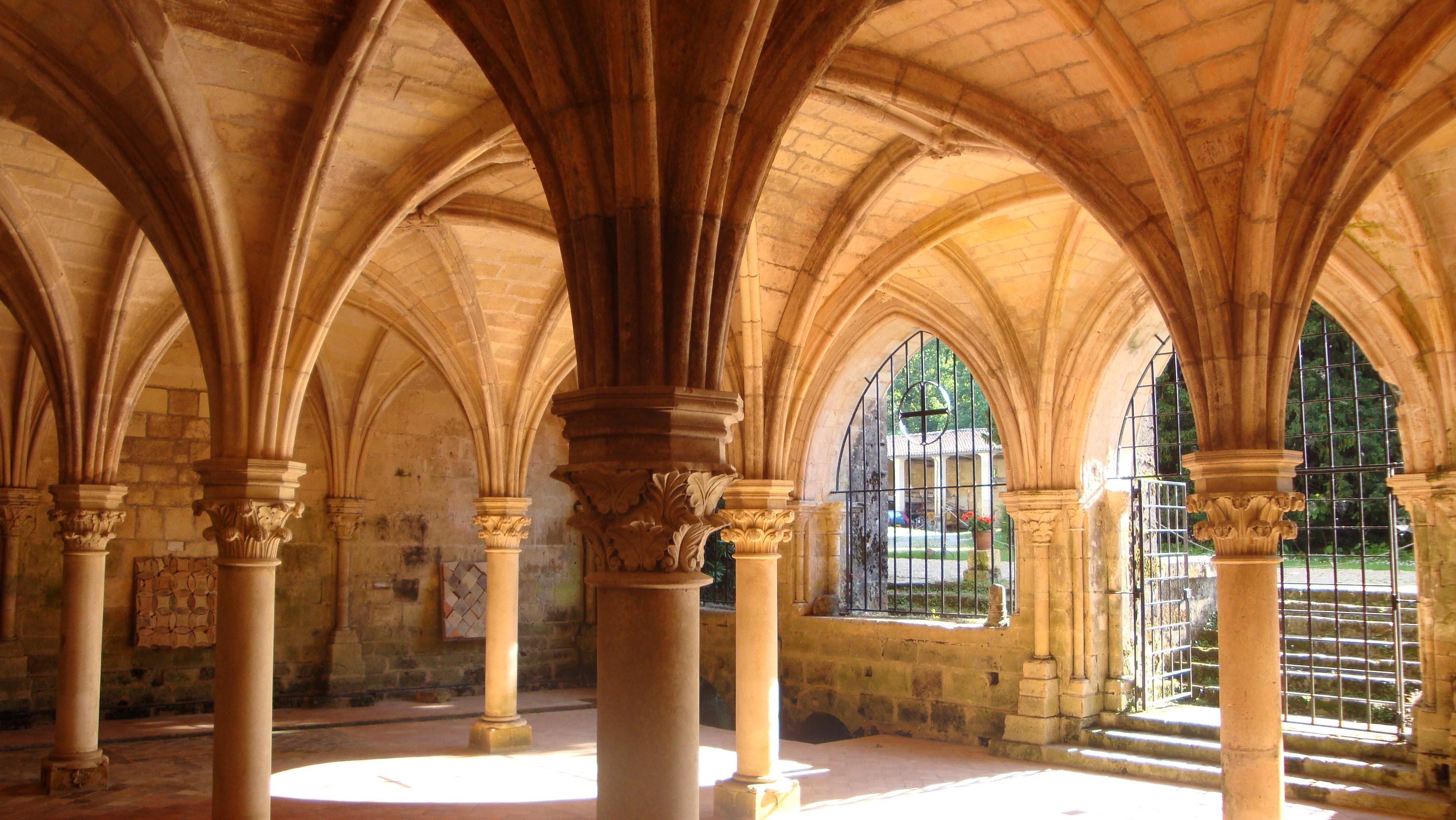L'abbaye de Fontdouce, France.jpg