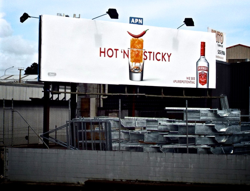 Smirnoff - Hot n Sticky, Honey and Chilli