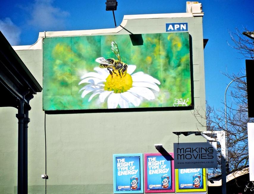 Creative Hush - 'Bee on a Flower'
