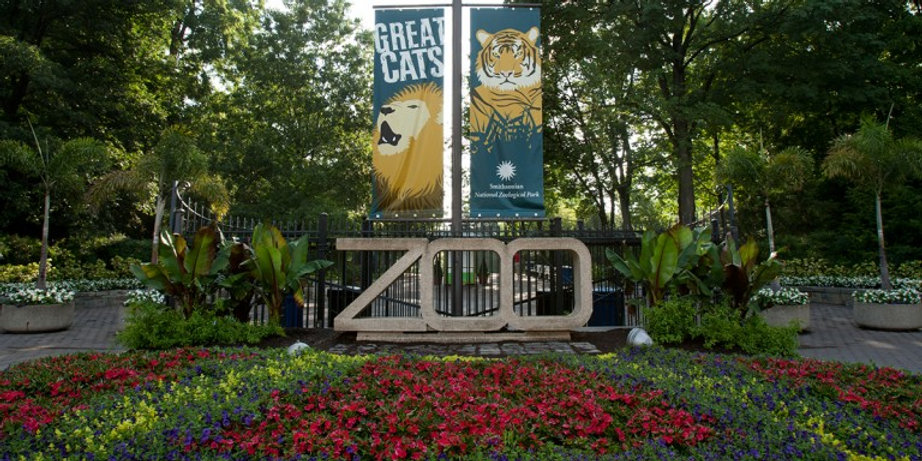 zoo-entrance.jpg
