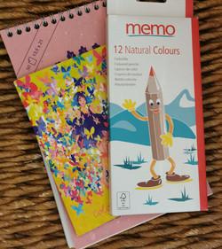 DESSINE-MOI UN MOUTON - Carnet à spirale, petit carnet, 12 crayons de couleur - 6,90€
