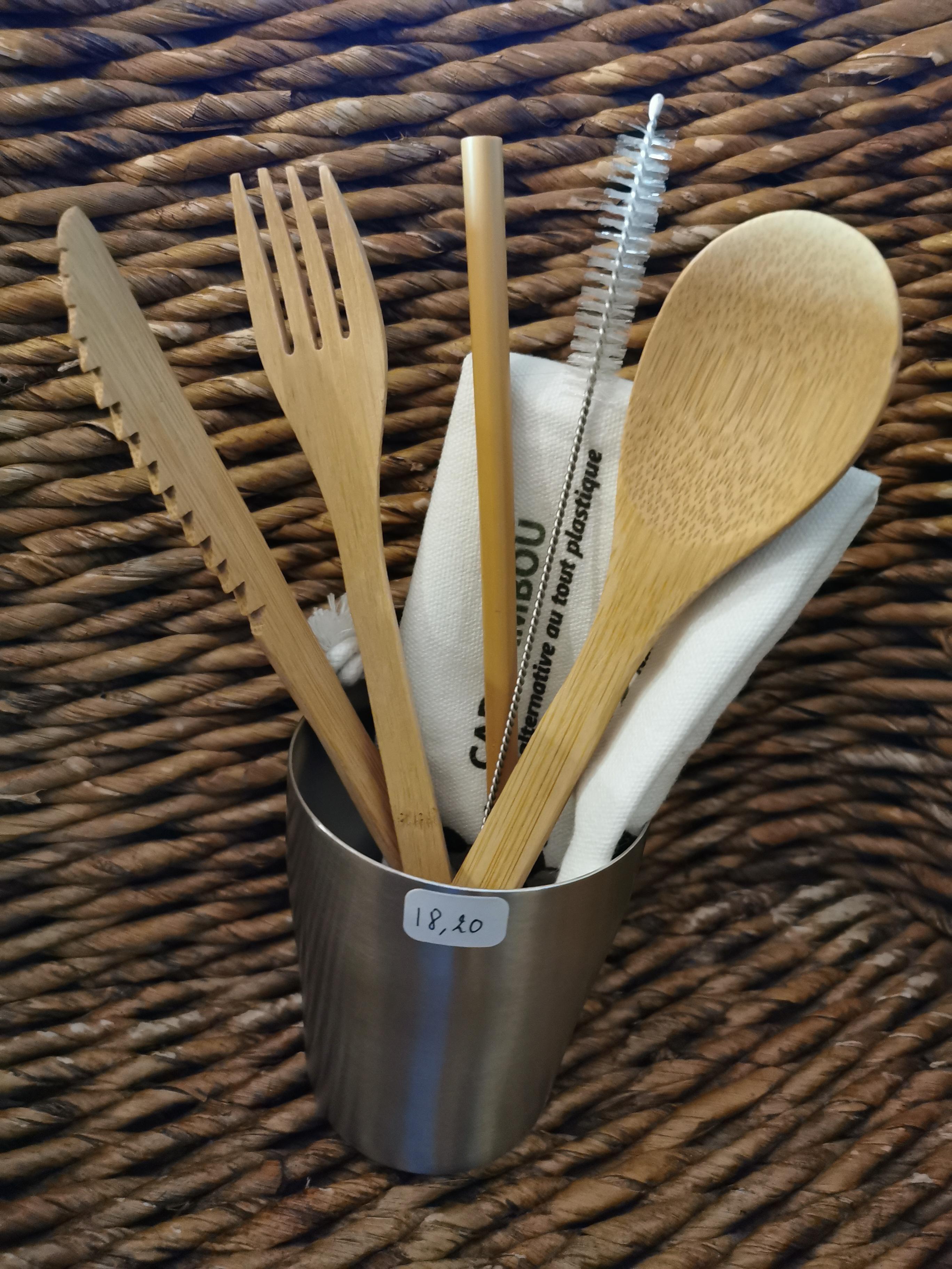 KIT PIQUE-NIQUE 1 - couverts et paille en bambou, goupillon, pochette, gobelet inox - 18,20€