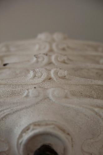 """""""Perché in ogni delitto commesso per possedere un oggetto, la natura dell'oggetto dovrebbe fornirci una idea sia pur pallida della natura dell'assassino.""""   Umberto Eco, Il nome della rosa"""