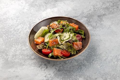 Салат с лососем слабой соли, 230 г.