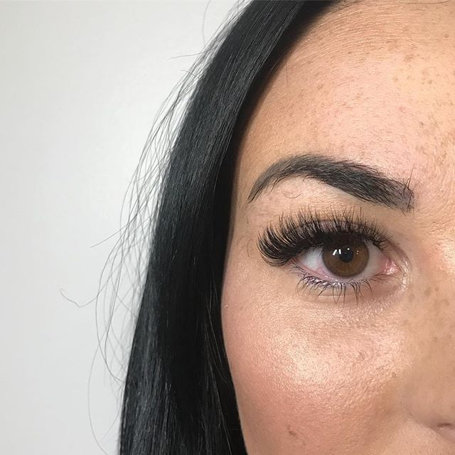Volume lash fill by Melissa!_._._
