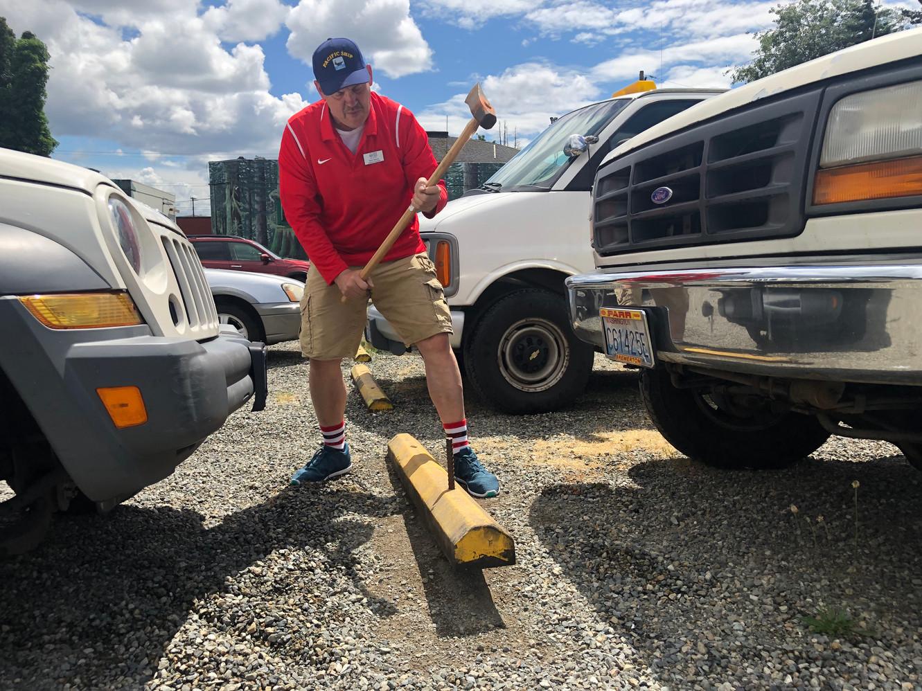 Volunteer Janitor/Maintenance