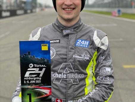 Motorsport - Sieg für Miklas Born auf dem Nürnburgring