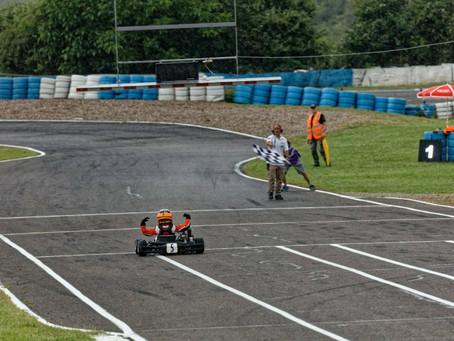 Kartfahren - Paul Schön auch in Vesoul zuoberst auf dem Podest
