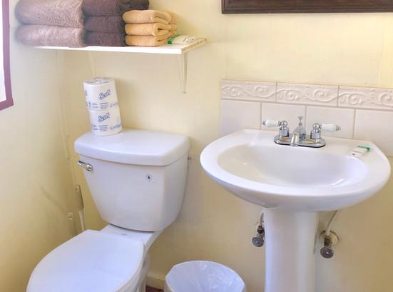 Cabin 14 Bath