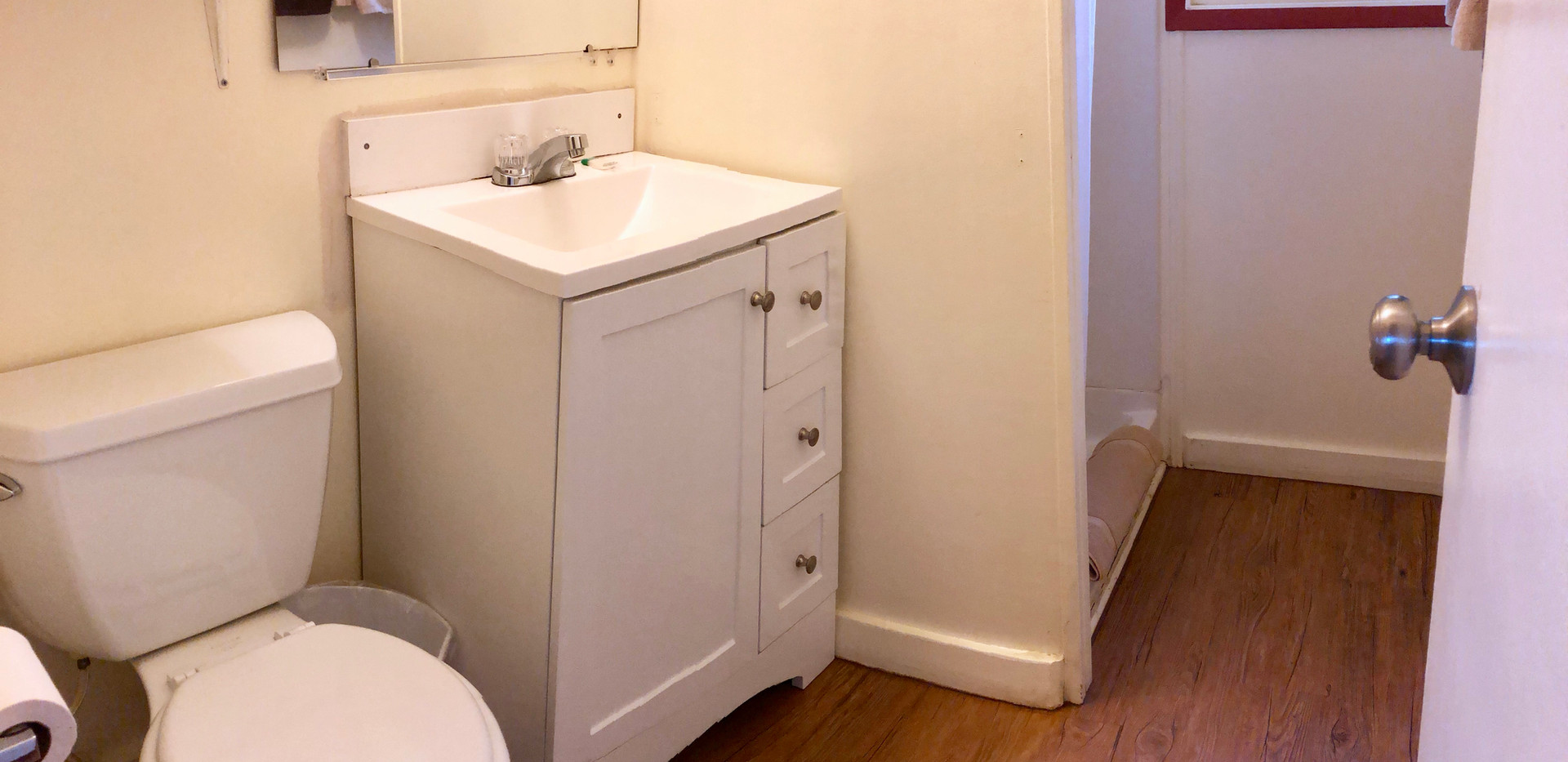 Cabin 6 Bath