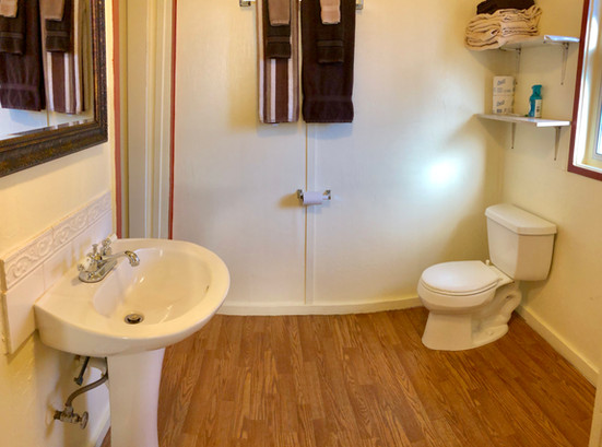 Cabin 7 Bath