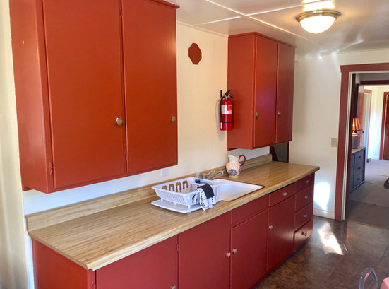 Cabin 13 Kitchen1