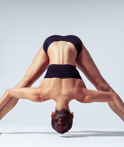Prasarita Padottanasana im Yogaladen Offenbah bei Frankfurt